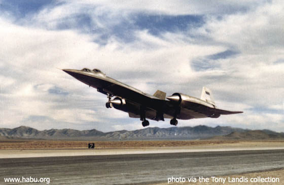 927 takes off from Groom Dry Lake - photo courtesy of the Tony Landis collection